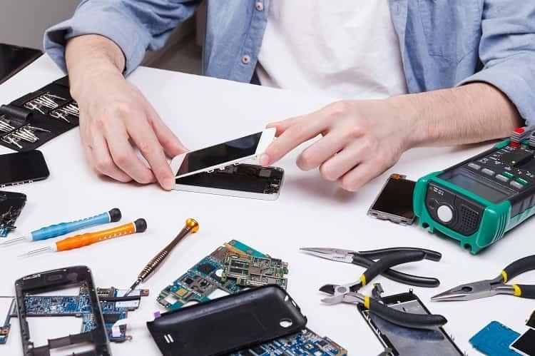 تعمیر تخصصی موبایل گوشی باز در قم